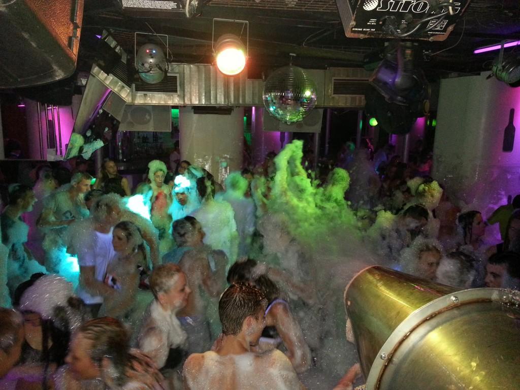 festa escuma discoteca