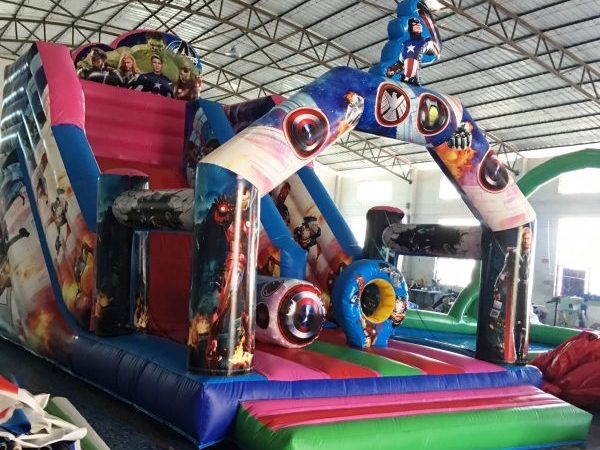 Inflable Castell Marvel